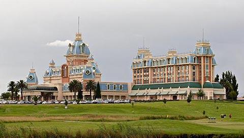 Graceland-Casino-Hotel